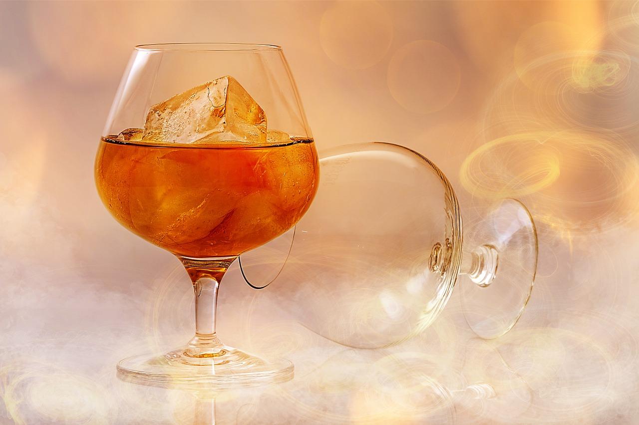 brandy-585796_1280