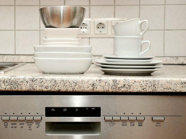 Vestavná myčka nádobí do každé kuchyně