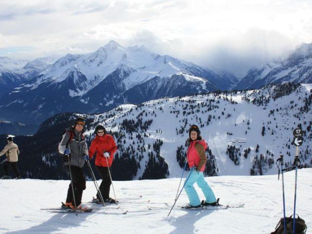 Jak správně pojistit rodinu na zimní dovolenou?