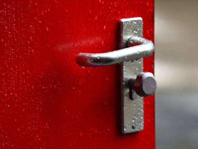 Hliníkové dveře jsou téměř nezničitelné
