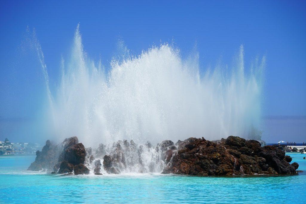 fountain-461552_1280