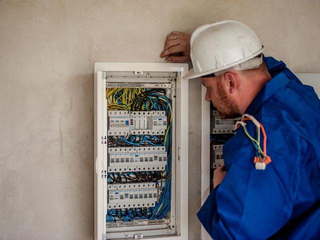 Sháníte elektrikáře v Praze?